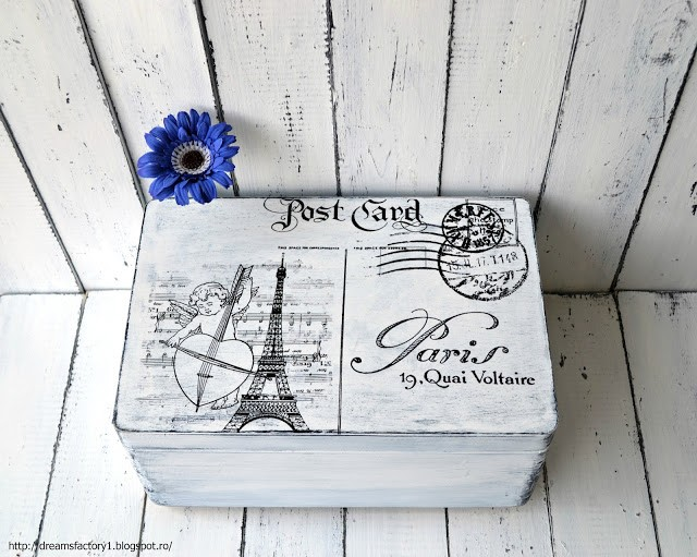 ''Postcard from Paris'' French box