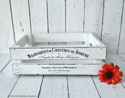French Made wood crate | Majoliques & Cristaux de Boheme French Crate | Dreams Factory