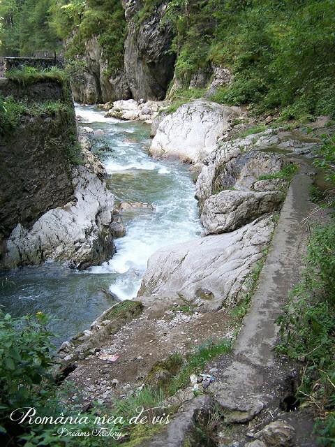 BICAZ KEYS/ CHEILE BICAZULUI, NEAMT, ROMANIA | DREAMS FACTORY