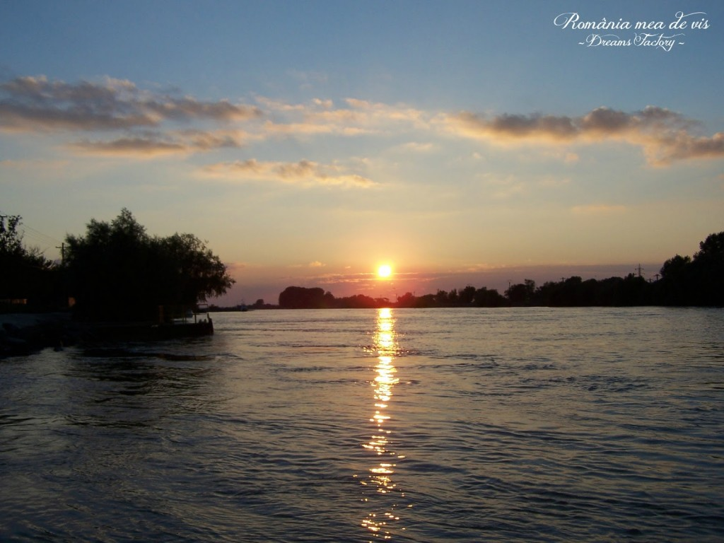 SUNSET ON DANUBE DELTA / APUS DE SOARE, DELTA DUNARII, ROMANIA | DREAMS FACTORY