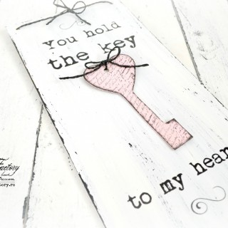 """You hold the key to my heart"" sign with vintage key ♦ Placuta decorativa ""You hold the key to my heart"", cu cheie vintage"