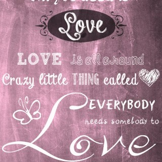 10 Favorite chalkboard fonts & a FREE chalkboard background  / 10 fonturi favorite, care imita scrisul cu creta pe tabla si un fundal in acelasi ton