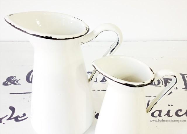 Vaze frantuzesti emailate - Transforma niste vaze de la Ikea in minunatii frantuzesti, folosind vopsea acrilica si decaluri frantuzesti