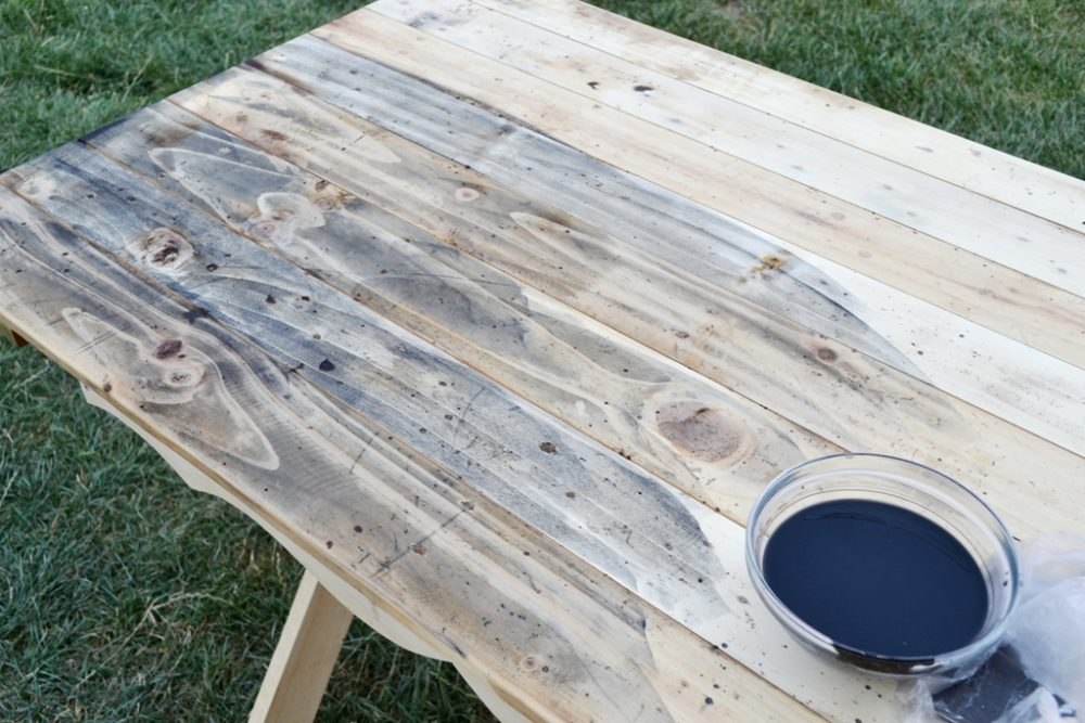 DIY farmhouse table for two - learn how to make a X leg farmhouse table from scratch, how to paint it and distress it, but also add a little bit of chicness to make it special - Dreams Factory