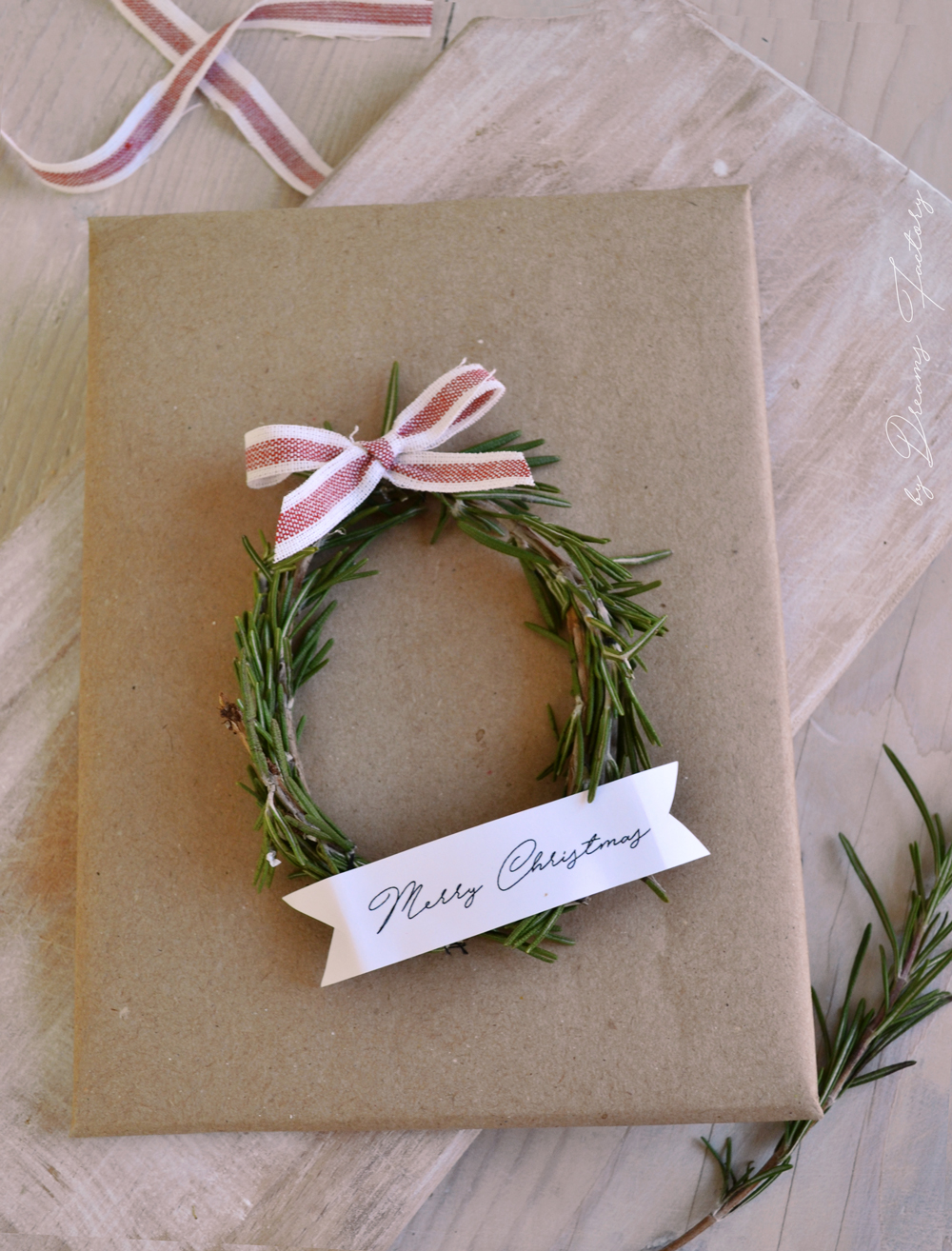 Christmas Rosemary Wreaths + free ribbon banners for you