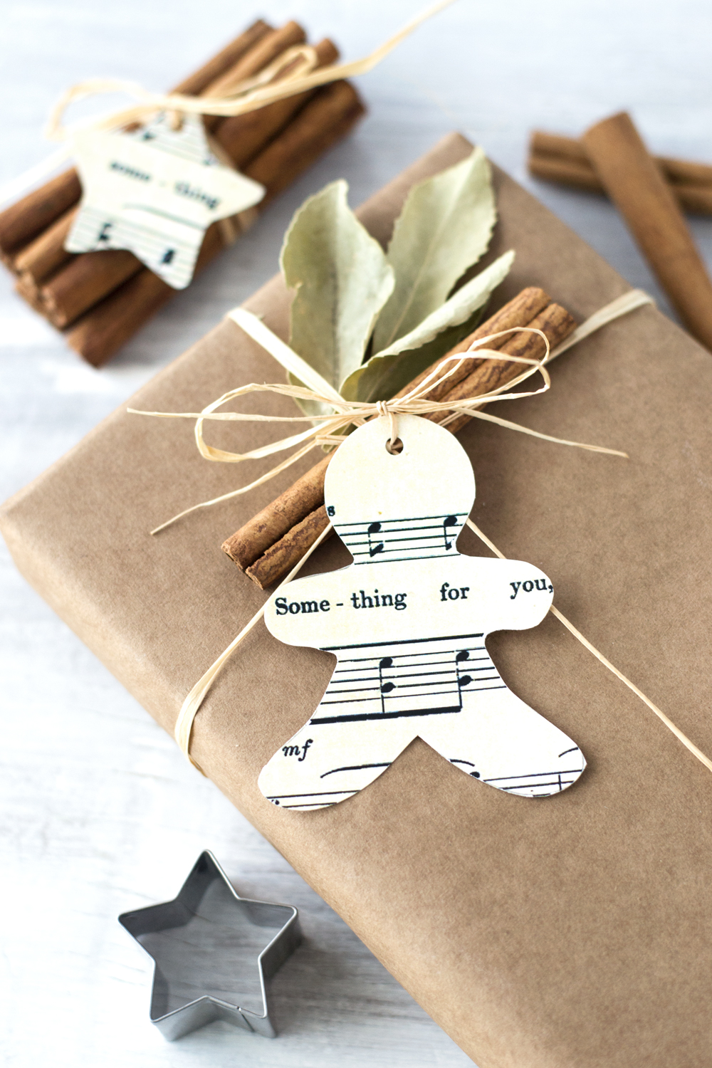 Adorable Cookie Cutter Christmas Tags