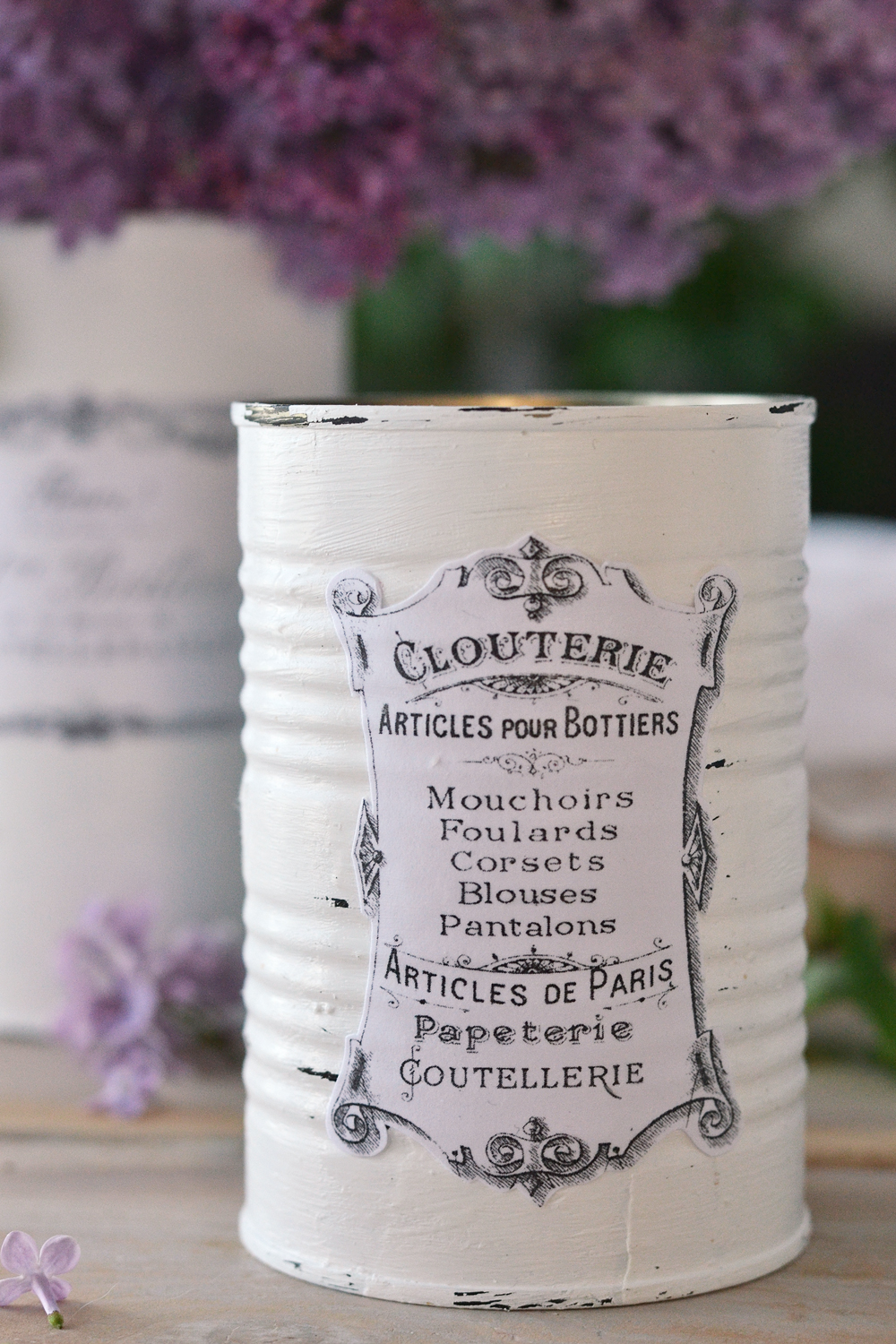 DIY French Recycled Tin Cans - free printable www.bydreamsfactory.com #diy #vintage #french #recycled #freeprintable